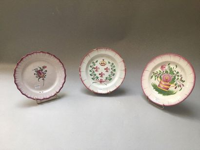 LES ISLETTES Three earthenware plates decorated in a small fire with fleur-de-lys...