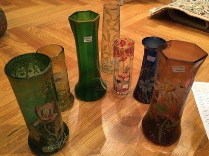 Sept vases émaillés  Vers 1900  Le plus...