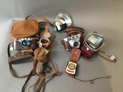 1 apareil photo Leica N°168616 , 1 téléobjectif+...