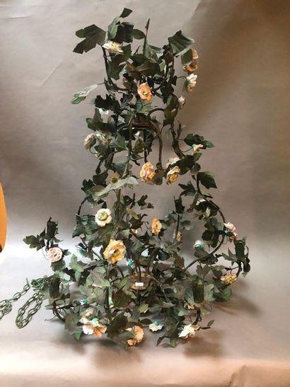 Lustre en métal laqué vert et fleurs en ...