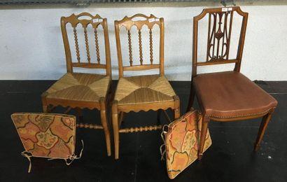 Paire de chaises paillées  On y joint une...