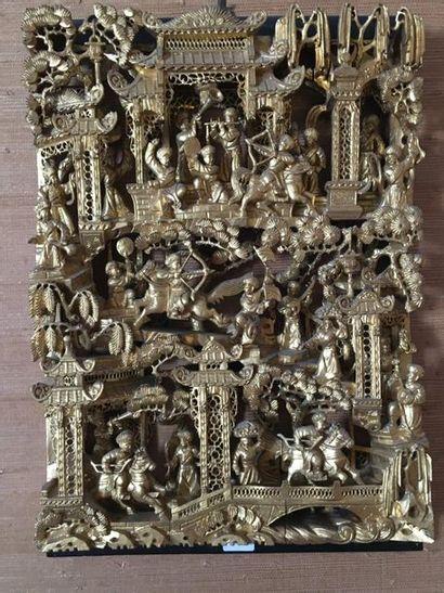 Paire d'éléments décoratifs en bois sculpté,...