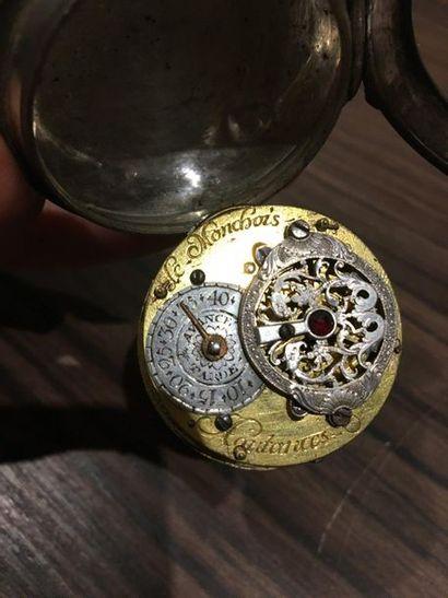 Ensemble en métal comprenant cinq montres de poche, une boussole, un baromètre  En...