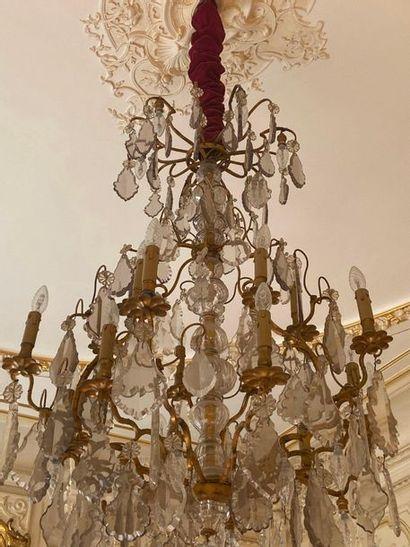 Important lustre en métal et bronze doré,...
