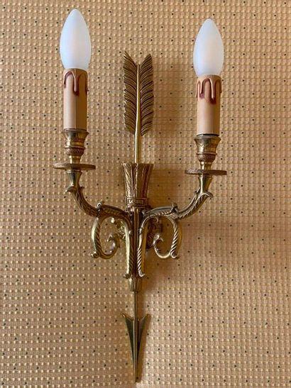 Suite de 6 appliques en métal et bronze doré...