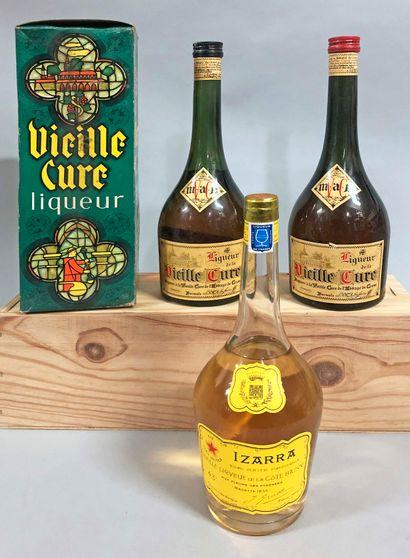3 bouteilles LIQUEUR (2 Vieille cure, 1 Izarra...