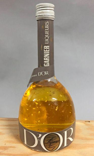 1 bouteille LIQUEUR D'OR