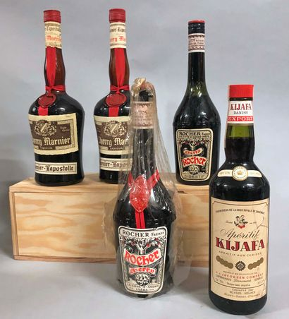 4,5 bouteilles LIQUEUR DE CERISE (Marnier,...