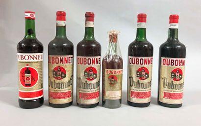 5,5 bouteilles DUBONNET différentes époques...
