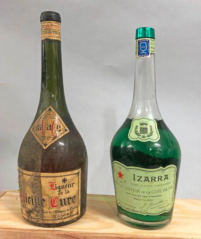 2 bouteilles LIQUEUR (1 Vieille cure, 1 Izarra...