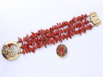 Bracelet composé de 3 rangs de bâtonnets...