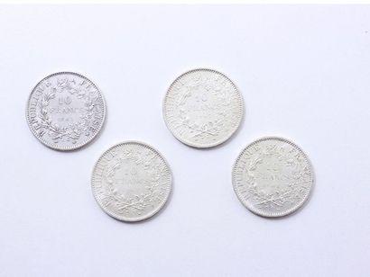 Lot en argent 800 millièmes, composé de 4 pièces de 10 francs datées 1965, 1967...
