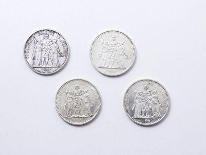 Lot en argent 800 millièmes, composé de 4...