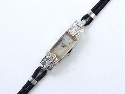 Montre bracelet de dame en platine 850 millièmes,...