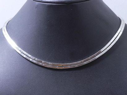 Collier ras de cou articulé en or gris 750...