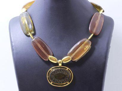 CHANEL. Beau collier fantaisie articulé en...