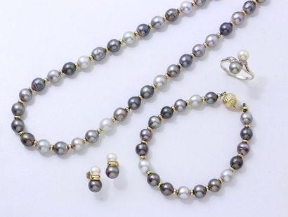 Parure en or 750 millièmes et perles de culture...