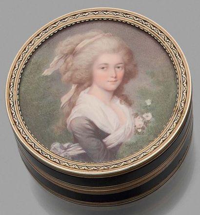 Louis-Marie SICARD dit SICARDI (1743-1825), SUIVEUR DE Bonbonnière en écaille tachetée...