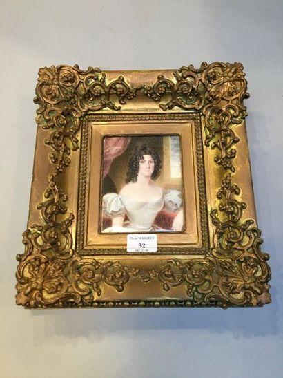 École ANGLAISE du second tiers du XIXe siècle Portrait de femme à la robe blanche...