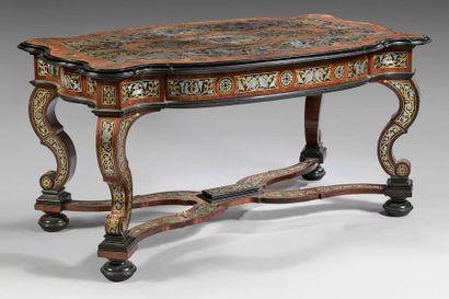 Large table de milieu en placage de bois...