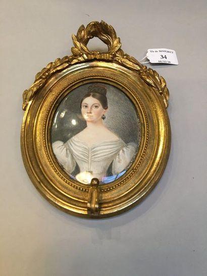 ÉCOLE ALLEMANDE de la première moitié du XIXe siècle Jeune fille en robe blanche...