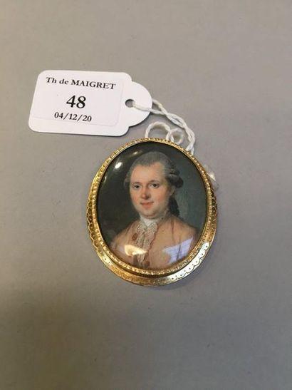 Ecole Française vers 1770 Homme à la veste beige Miniature ovale peinte sur ivoire...