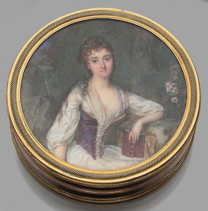 Louis-Lié PÉRIN-SALBREUX (1753-1817), attribué à Bonbonnière en écaille brune montée...