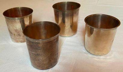 4 timbales en argent 950°/°°° à fond plat....