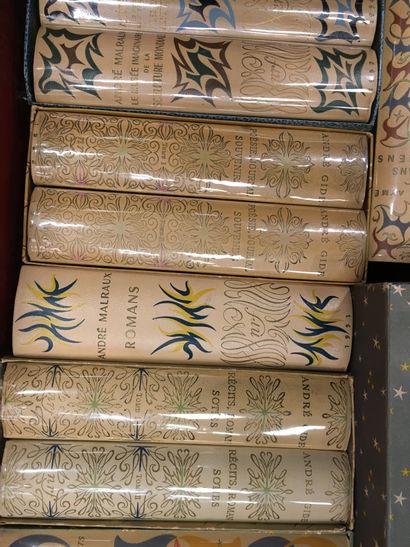 1 caisse de livres Littérature NRF, Malraux,...