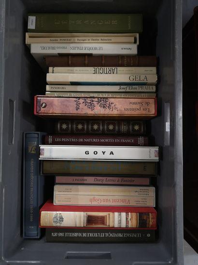Une caisse de livres d'art : van Gogh, goya,...