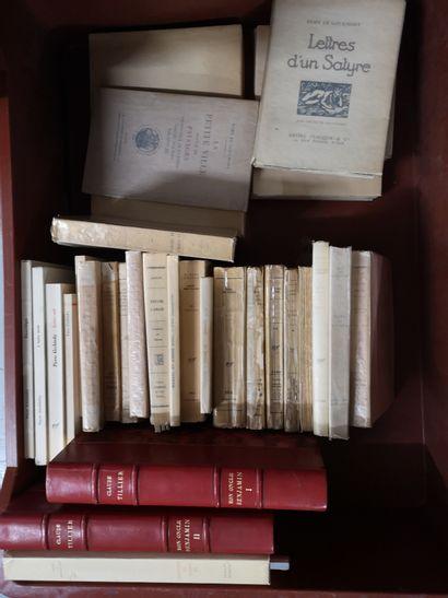 Lot de livres brochés Barrès, de Gourmont,...