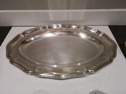 Plat ovale en argent 800°/°° à filets contours....