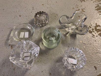 Lot de 4 cendriers et 2 supports en verre....