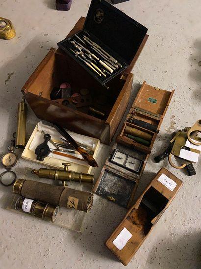 Lot d'instruments scientifique  (vendu en...