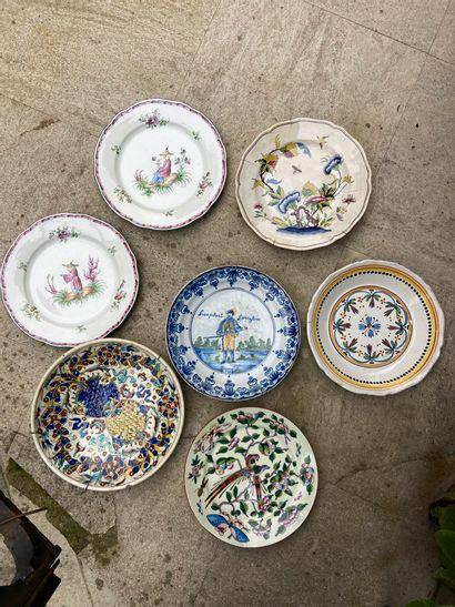 Lot de faïences et porcelaines comprenant...