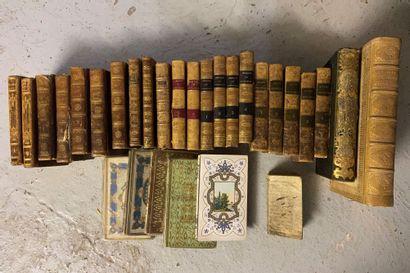 lot de livres reliés, la religieuse sanctifié,...