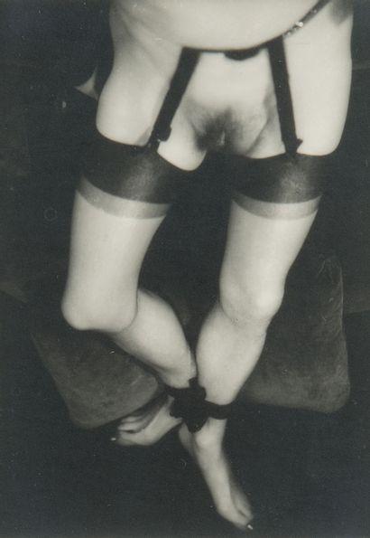 Pierre MOLINIER (1900-1976)  Mes jambes,...