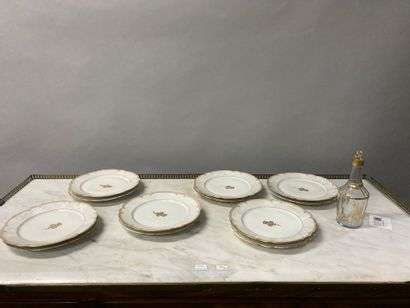 Set of 12 porcelain plates with white and...
