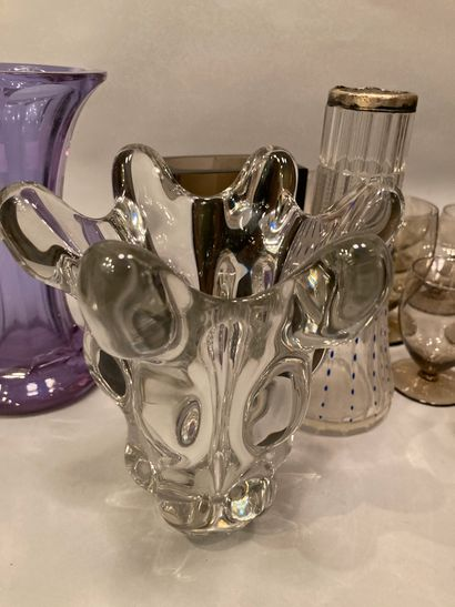 Set of glassware with smoked glass service part, vases (14 to 21 cm) and pestle...