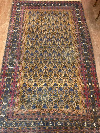 Persian carpet125 x 210 cm wears