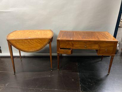 Veneered flap table circa 1920 ( H : 71 -...