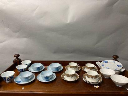 Ensemble de porcelaine dont service thé café...