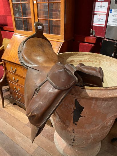 Military Saddle leather wear and accidents...