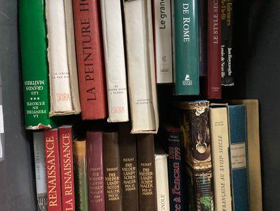 Caisse de livres Beaux Arts comprenant Les ébénistes du XVIIIème (Salverte), L'aquarelle...
