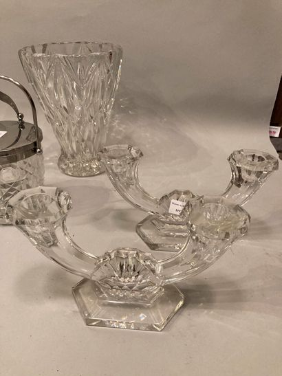 A lot of glassware including bowls, salad bowls, glasses with engraved decoration...
