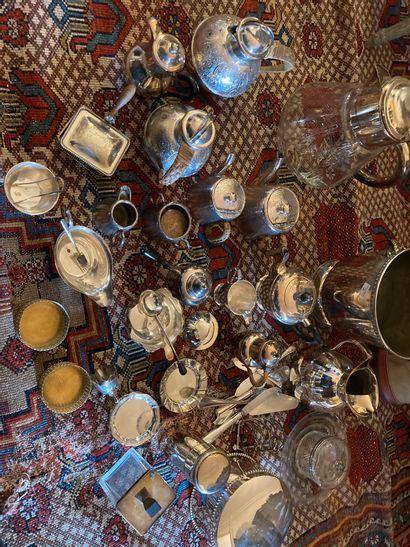 Mannette de métal argenté services thé et...