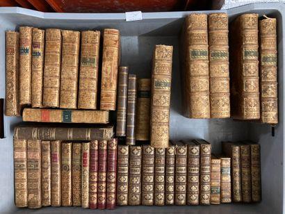 Mannette de livres reliés dont théâtre de...