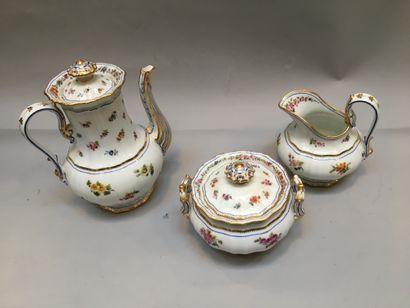 Service à thé en porcelaine, 3 pièces : théière,...