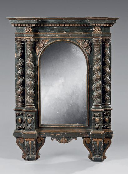 Tabernacle front in molded wood, gilded,...