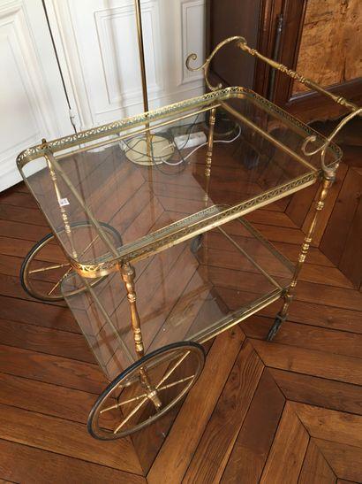 Table roulante en métal et verre  Long :...